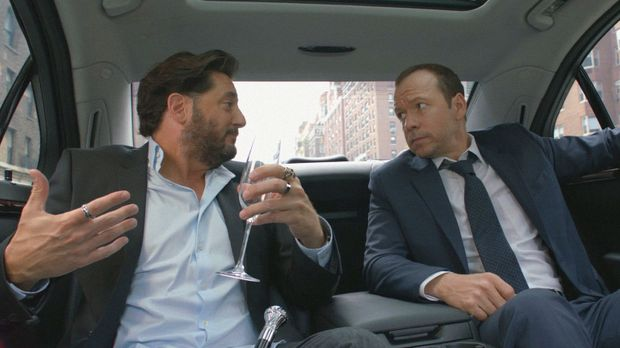 Auch wenn sich Danny (Donnie Wahlberg, r.) nicht mit Vince (Reg Rogers, l.) v...