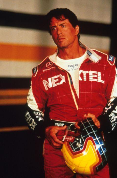 Nach einer schrecklichen Karambolage, die ihn und Beau fast das Leben kostete, beendete der erfolgreiche Rennfahrer Joe Tanto (Sylvester Stallone) s... - Bildquelle: Warner Bros.