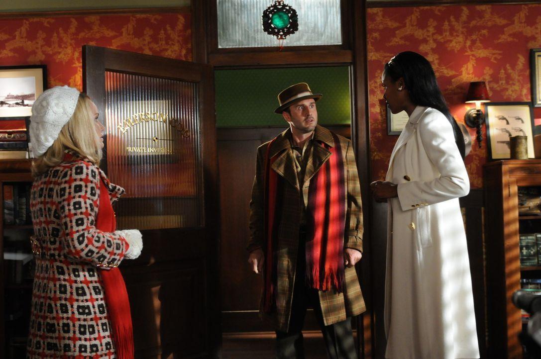 Während Olive (Kristin Chenoweth, l.) sich mit ihrer neuen Liebe Randy Mann (David Arquette, M.) auseinandersetzt, bekommt Emerson Besuch von seine... - Bildquelle: Warner Brothers