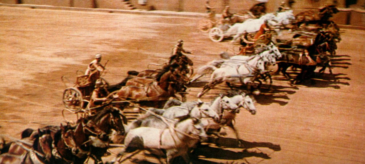 Im Circus Maximus von Jerusalem kommt es bei einem Wagenrennen zwischen den Kontrahenten zu einem Duell auf Leben und Tod. - Bildquelle: Metro-Goldwyn-Mayer (MGM)