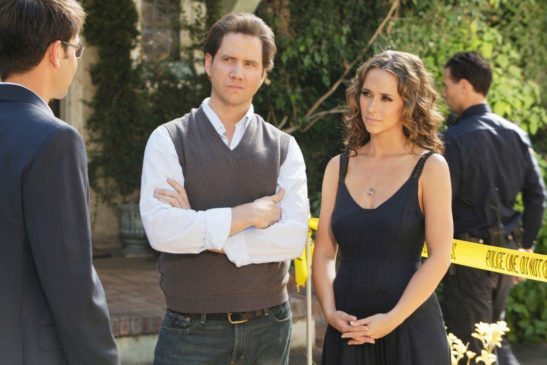 Travis (Kyle Howard, l.) erzählt Eli (Jamie Kennedy, M.) und Melinda (Jennifer Love Hewitt, r.) von seinem tragischen Erlebnis mit dem alten Brunnen... - Bildquelle: ABC Studios