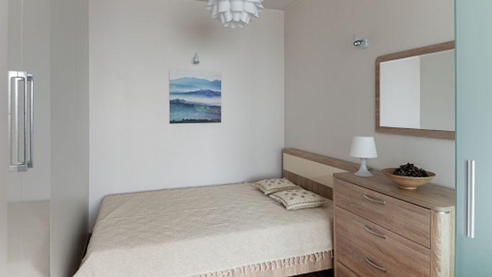 Kleines schlafzimmer einrichten  Kleines Schlafzimmer einrichten: So geht's – DIY – sixx.de