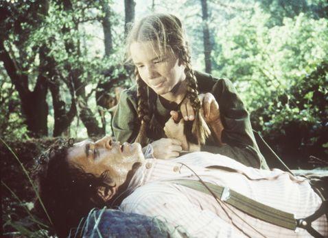 Unsere kleine Farm - Laura (Melissa Gilbert, r.) muss den schwer verletzten C...