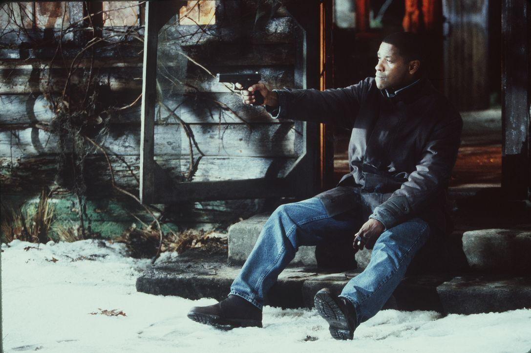 Detective Hobbes (Denzel Washington) steht vor einem blutigen Rätsel ... - Bildquelle: Warner Brothers