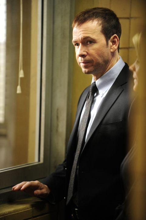 Danny (Donnie Wahlberg) und seine Kollegen kämpfen darum, eine Spur zu Coles Mörder zu finden ... - Bildquelle: 2011 CBS Broadcasting Inc. All Rights Reserved