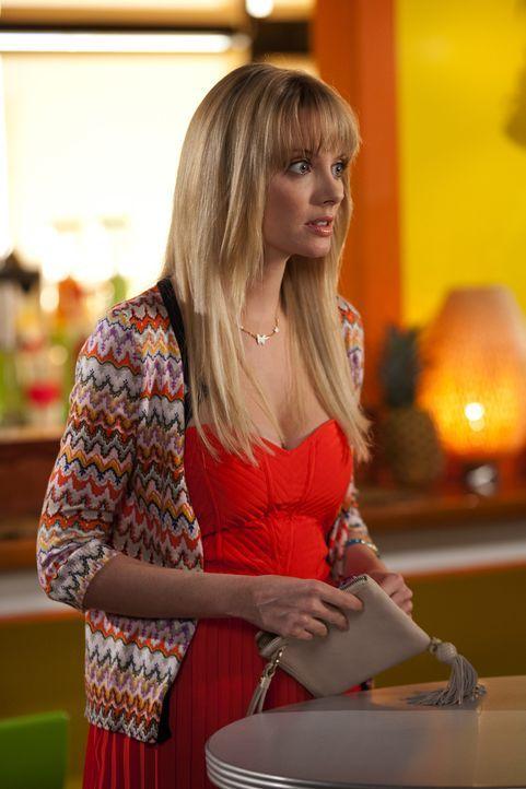 Auf einmal wird Stacy Barrett (April Bowlby) klar, dass sie unbedingt mit Fred zusammen sein möchte. Ist es nun schon zu spät? - Bildquelle: 2012 Sony Pictures Television Inc. All Rights Reserved.