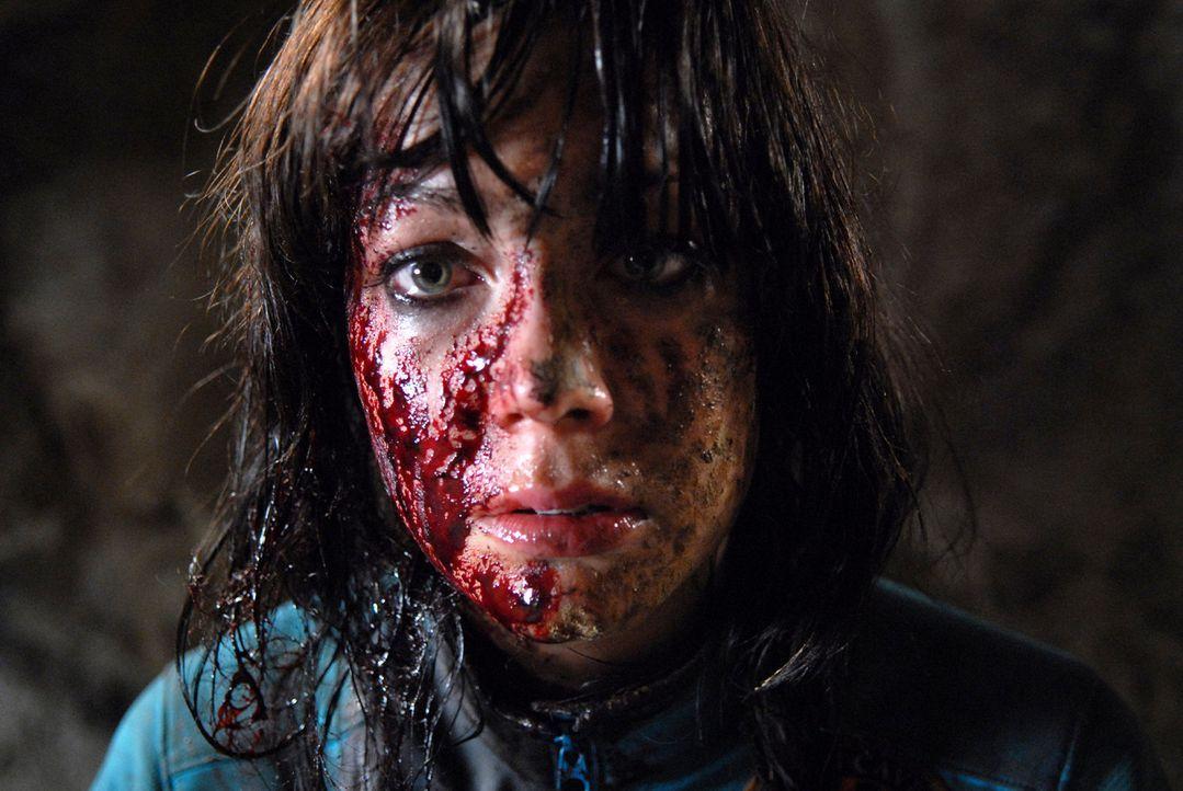 Im Visier mordlüsterner Crawlern: Cathy (Anna Skellern) ...