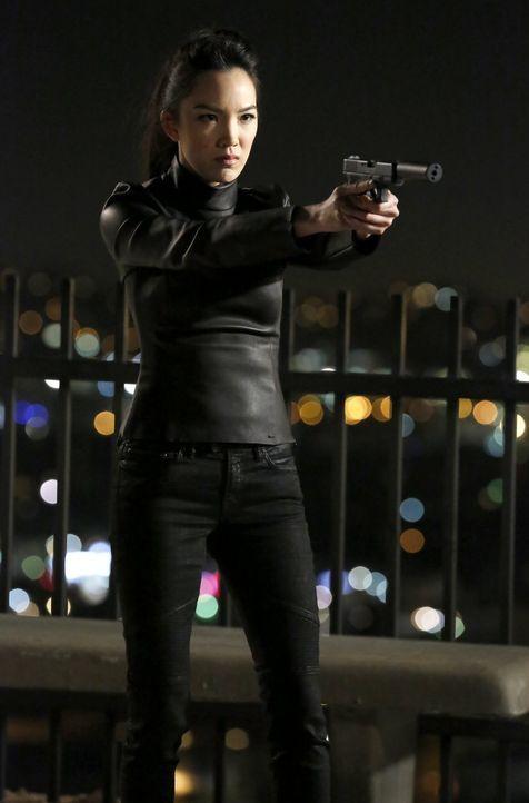 Auf welcher Seite steht Kim (Jessika Van), Lees Schwester, wirklich? - Bildquelle: Warner Brothers