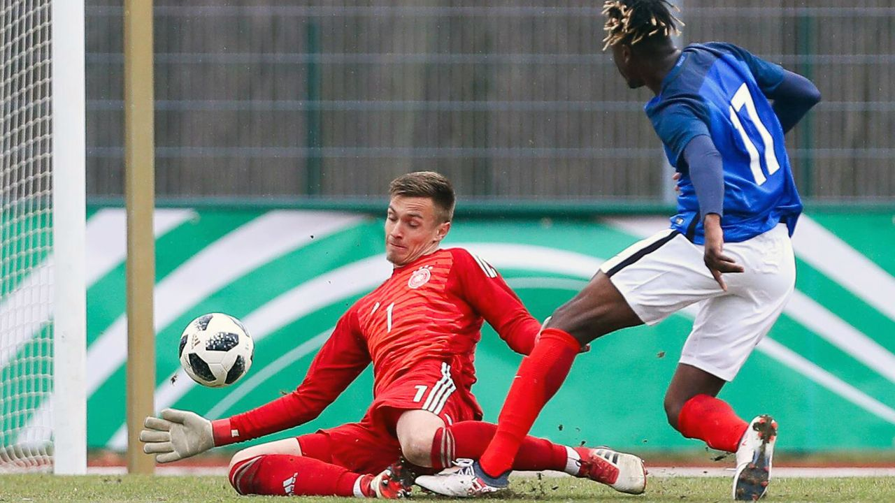 Christian Früchtl (FC Bayern München, U19-Nationalspieler) - Bildquelle: imago/Picture Point LE