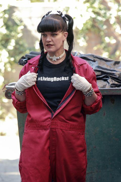 Versucht gemeinsam mit ihren Kollegen, einen neuen Fall aufzudecken: Abby (Pauley Perrette) ... - Bildquelle: Bill Inoshita 2016 CBS Broadcasting, Inc. All Rights Reserved