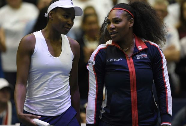 Familienduell: Venus und Serena Williams (r.)