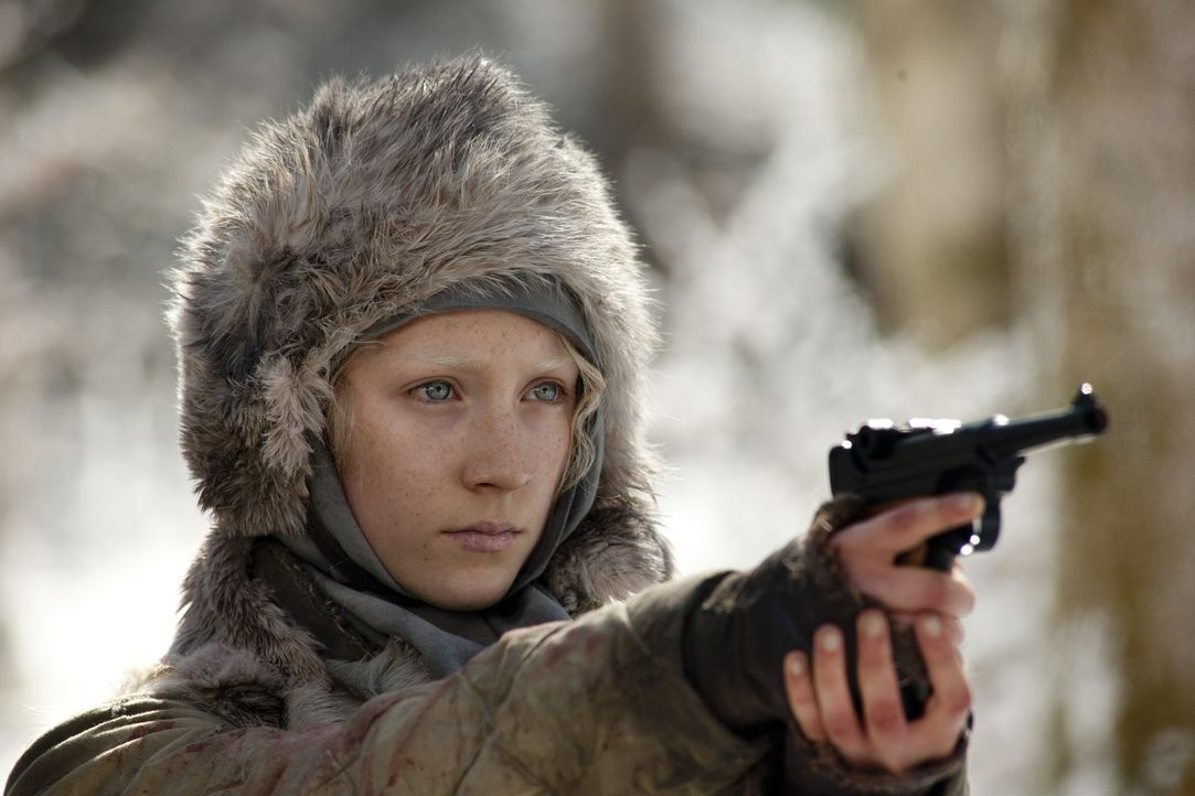 Ist zwar noch ein Teenager, aber verfügt bereits über die Stärke, Ausdauer und Fähigkeiten eines Soldaten: die 16-jährige Hanna (Saoirse Ronan)... - Bildquelle: 2011 Focus Features LLC. All Rights Reserved.