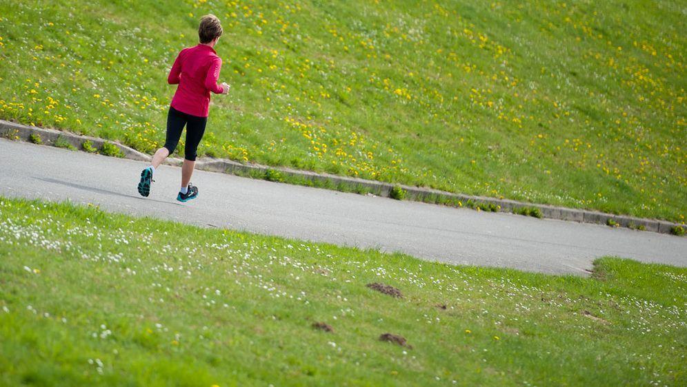 Am Stadtlauf teilnehmen: Tipps fürs Lauftraining - Bildquelle: dpa
