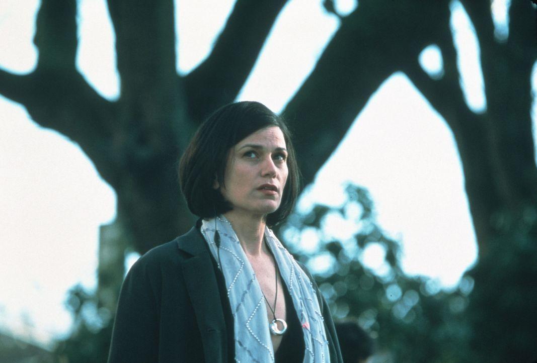 Gerät von einem Moment auf den anderen in eine katastrophale Situation: Liberty Wallace (Linda Fiorentino) ... - Bildquelle: Kinowelt