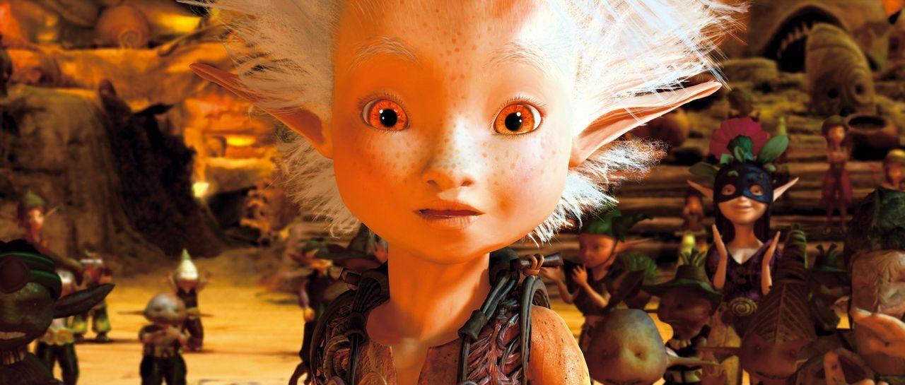 Bei der Suche nach dem Schatz seines Großvaters, landet Arthur prompt bei den Minimoys - kleinen elfenartigen Wesen, die den Garten bevölkern. Doc... - Bildquelle: TOBIS Film