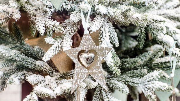 Weihnachtsdeko silber_Pixabay