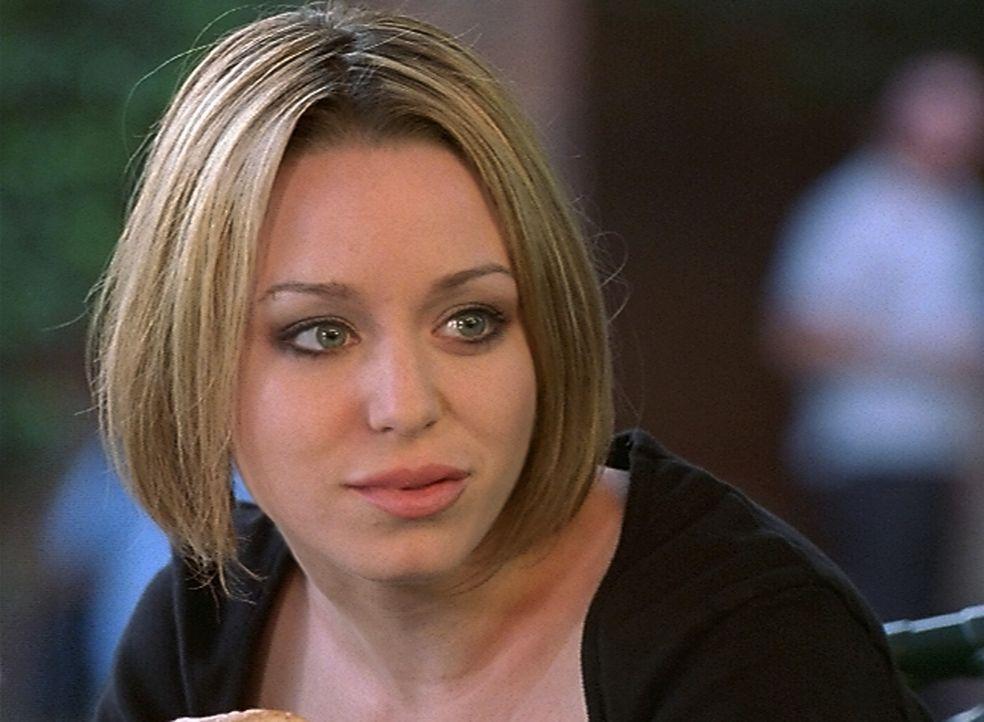 Die Sängerin Veruca (Paige Moss) hat Oz den Kopf verdreht ... - Bildquelle: (2000) Twentieth Century Fox Film Corporation.