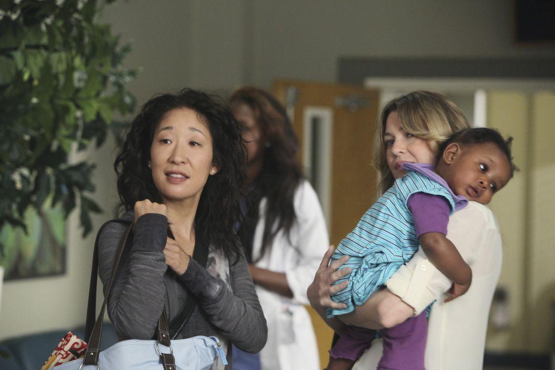 Während die Ehe von Cristina (Sandra Oh, l.) und Owen auf dem Prüfstand steht, fasst Meredith (Ellen Pompeo, r.) einen folgenschweren Entschluss ... - Bildquelle: ABC Studios