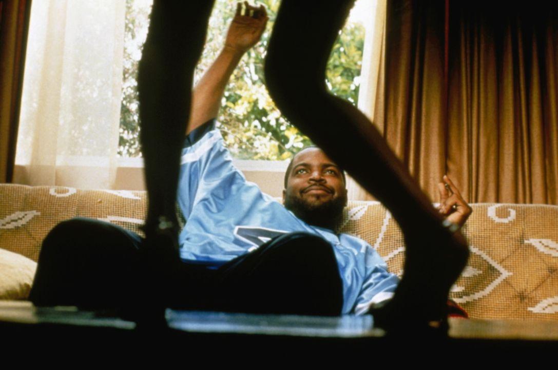 Auch Craig (Ice Cube) spielt mit dem Feuer ... - Bildquelle: Kinowelt Filmverleih