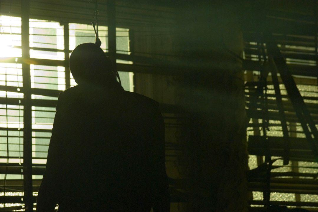 Mehrere Menschen werden grausam hingerichtet. Die Detektive stehen vor einer schwierigen Aufgabe, denn alles deutet auf einen Ritualmord hin ... - Bildquelle: Nick Wall Square One Entertainment GmbH & Co.KG