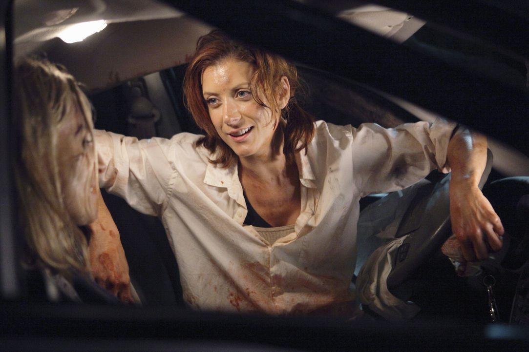 Bei einem Ausflug müssen Addison und Sam Erste Hilfe leisten: Addison (Kate Walsh, r.) versucht alles, um die schwangere Kara (Ever Carradine, l.) a... - Bildquelle: ABC Studios