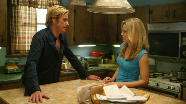 Nach wie vor versucht Tommy (Denis Leary, l.) alles, um Janet (Andrea Roth, r...