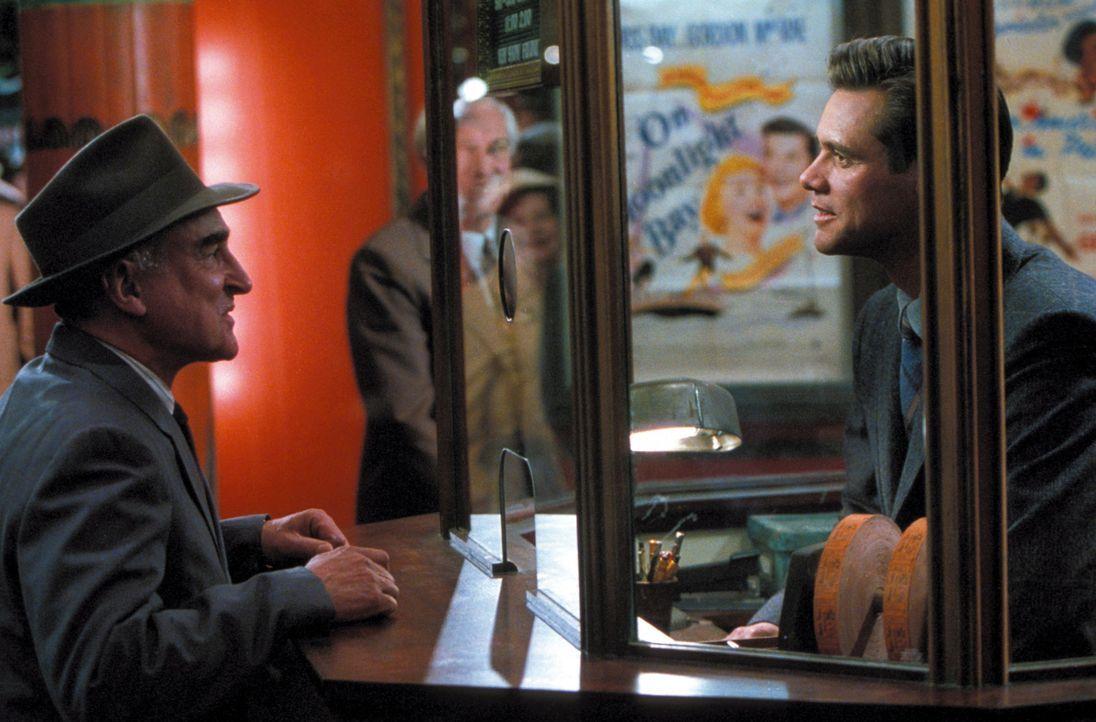 Geht inzwischen in seinem Job auf: Peter (Jim Carrey, r.) ... - Bildquelle: Warner Bros. Pictures