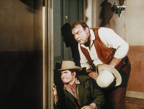 Bonanza - Seit neuestem verschlingt Little Joe (Michael Landon, l.) einen Kri...