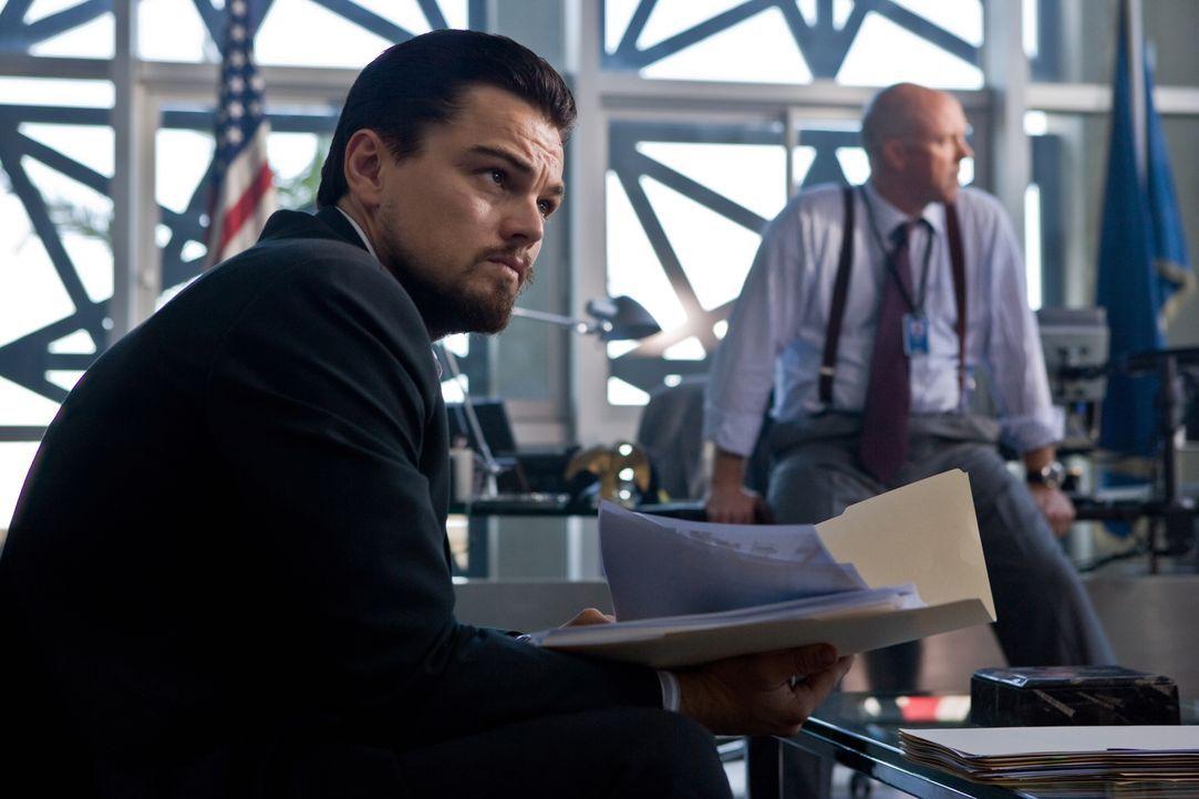 Wenn seine Tarnung auffliegt, ist er ein Mann ohne Identität: CIA-Agent Roger Ferris (Leonardo DiCaprio) ... - Bildquelle: Warner Brothers