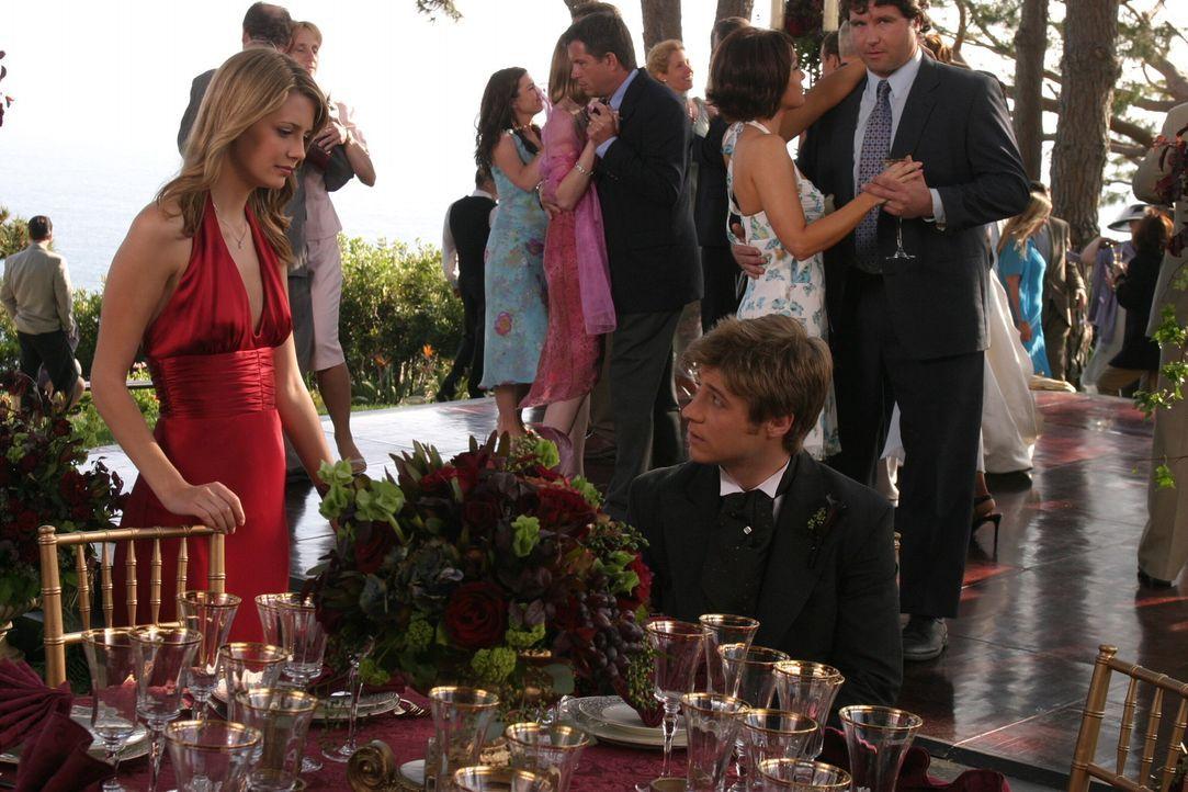 Werden Ryan (Benjamin McKenzie, r.) und Marissa (Mischa Barton , l.) wieder zusammenfinden? - Bildquelle: Warner Bros. Television