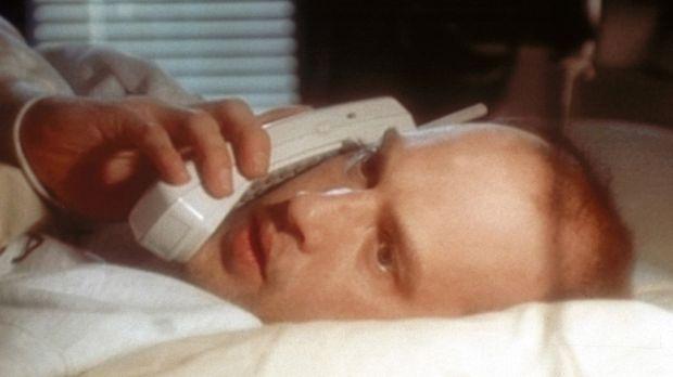 Dr. Greene (Anthony Edwards) kommt nicht zur Ruhe: Nach drei Nachtschichten b...