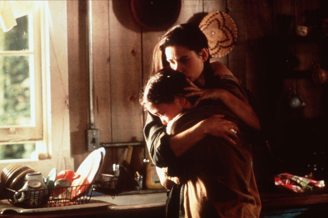 Die Geschworene Annie Laird (Demi Moore, hinten) und ihr Sohn Oliver (Joseph Gordon-Levitt, vorne) müssen um ihr Leben fürchten, sollte die junge Mu... - Bildquelle: Columbia TriStar