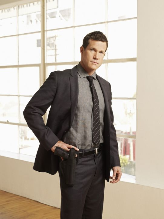 (1. Staffel) - Versucht gemeinsam mit Carrie Wells Kriminalfälle zu lösen: Detective Al Burns (Dylan Walsh) ... - Bildquelle: Sony Pictures Television Inc. All Rights Reserved.