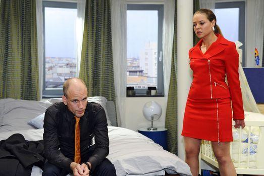 Gerrit (Lars Löllmann, l.), hat herausgefunden, dass er der Vater von Katjas...