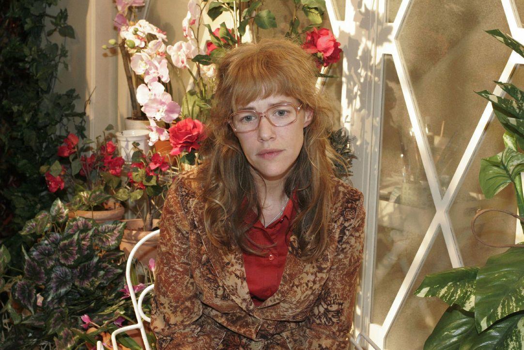 Lisa (Alexandra Neldel) versinkt in trüben Gedanken ... (Dieses Foto von Alexandra Neldel darf nur in Zusammenhang mit der Berichterstattung über di... - Bildquelle: Noreen Flynn Sat.1