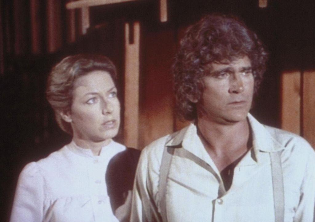 Caroline (Karen Grassle, l.) und Charles (Michael Landon, r.) stehen vor einer schweren Entscheidung. Sollen sie die beiden Waisenkinder James und C... - Bildquelle: Worldvision