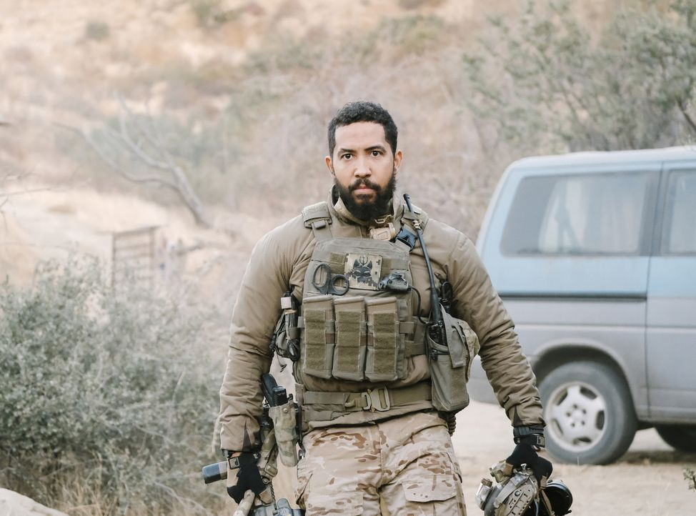 Ray Perry (Neil Brown Jr.) - Bildquelle: Eddy Chen Eddy Chen/CBS   2018 CBS Broadcasting, Inc.All Rights Reserved.