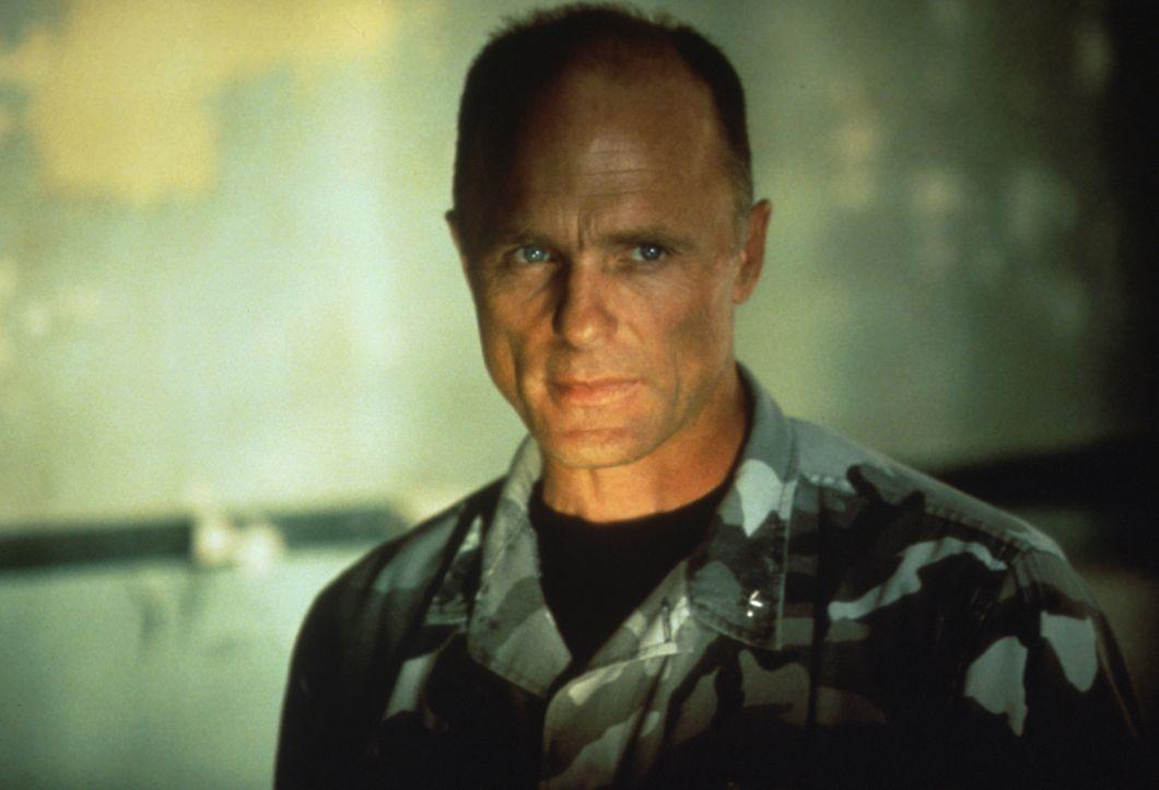 Mit dem Tod seiner Frau hat General Hummel (Ed Harris) alles verloren, was ihm lieb und teuer ist. Doch nun ist seine Zeit gekommen, mit der Vergang... - Bildquelle: Hollywood Pictures