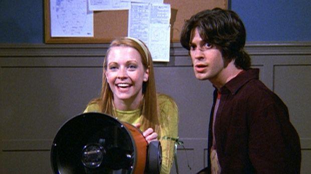 Manchmal weiß Miles (Trevor Lissauer, r.) nicht, was er von Sabrina (Melissa...