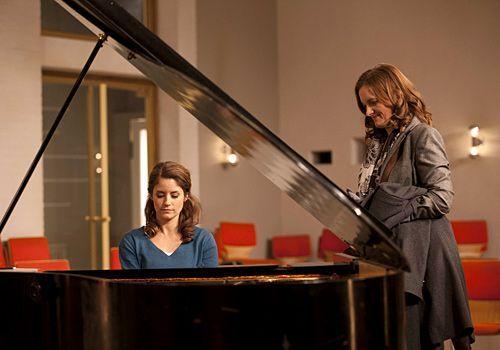 Gabriele bittet Bea, sich um Sophie und deren Probleme zu kümmern ... - Bildquelle: David-Saretzki - Sat1