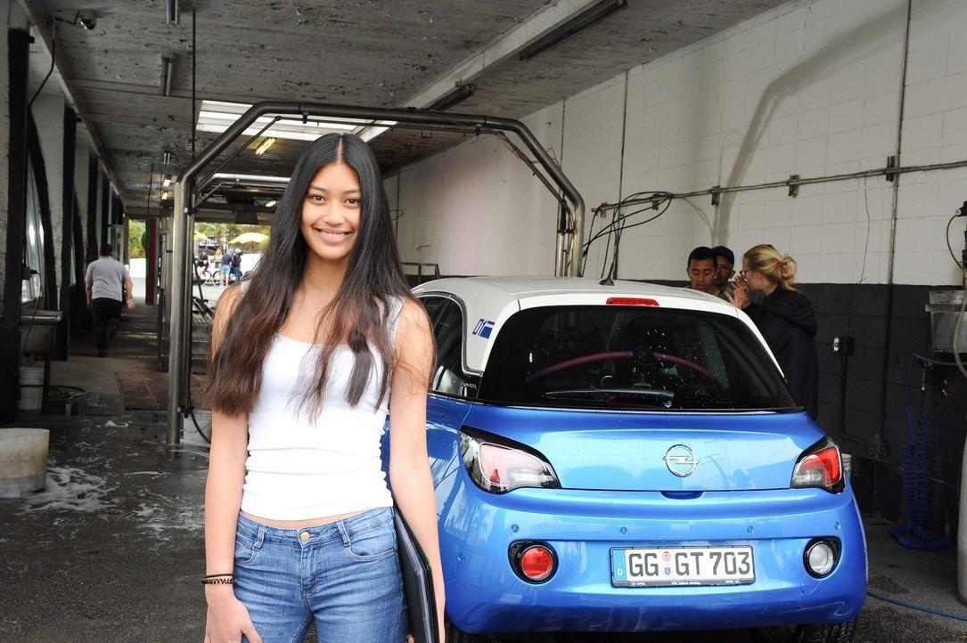 GNTM-Stf10-Epi11-Opel-Casting-05-ProSieben-Micah-Smith - Bildquelle: ProSieben/ Micah Smith