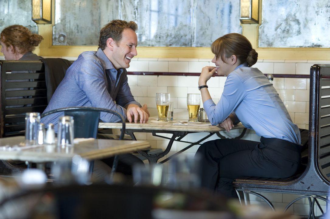 Bei ihrem neuen Job lernt die TV-Produzentin Becky Fuller (Rachel McAdams, r.) ihren Kollegen Adam Bennett (Patrick Wilson, r.) kennen und die beide... - Bildquelle: 2010 Paramount Pictures.  All rights reserved.