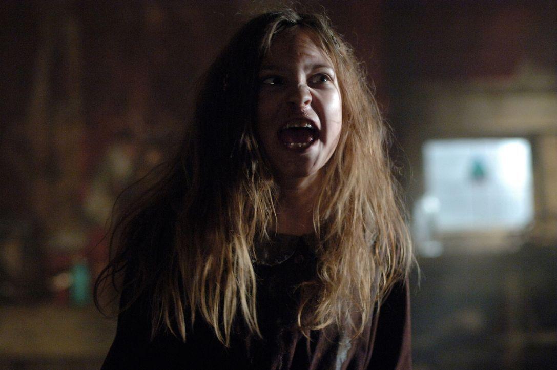 Missy (Alexia Fast), die jüngste der Benders, ist genauso skrupellos wie der Rest der Familie ... - Bildquelle: Warner Bros. Television