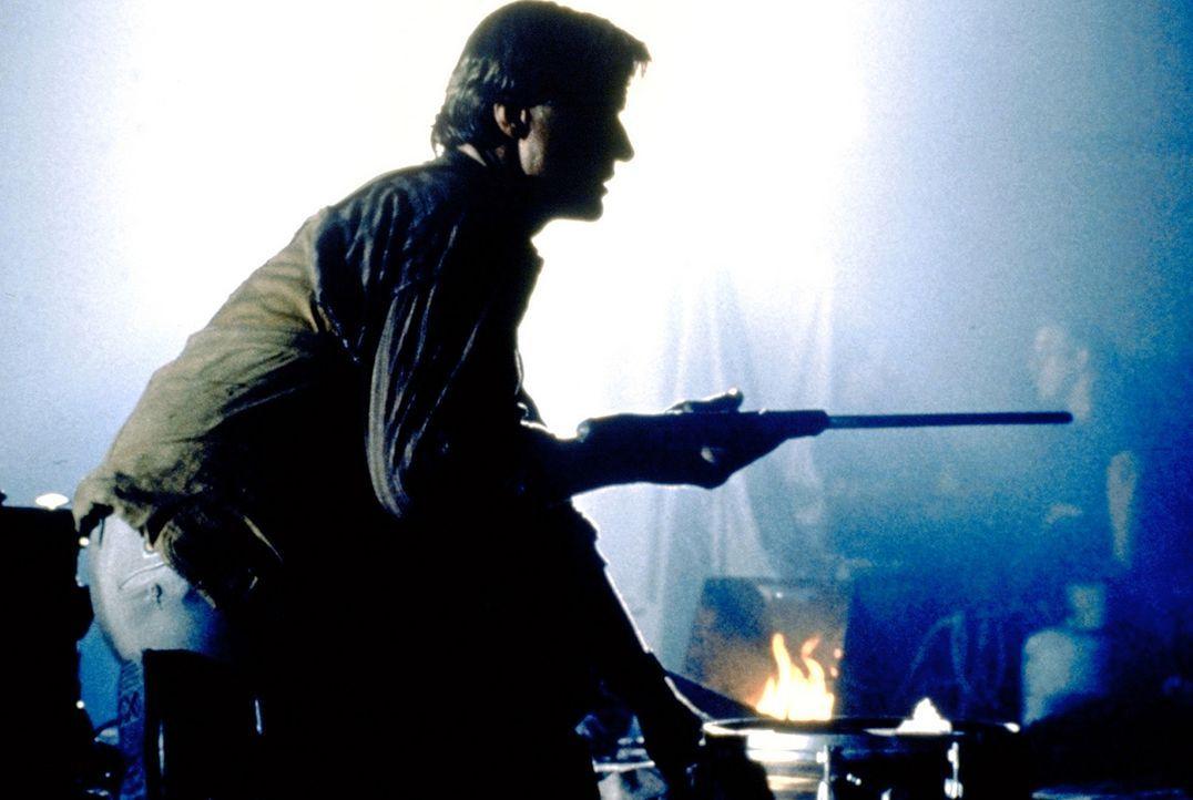 Der blinde Nick Parker (Rutger Hauer) macht mit seinem Blindenstock, in dem ein scharfes Ninja-Schwert versteckt ist, seinen Gegnern das Leben über... - Bildquelle: TriStar Pictures