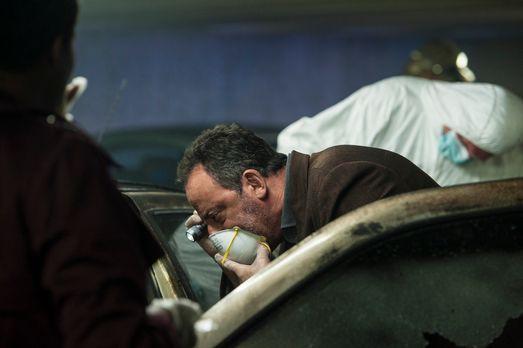 The Cop - Crime Scene Paris - In einem verkokten Auto liegt eine Leiche. Zunä...
