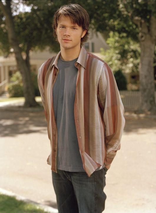 (5. Staffel) - Eine Nacht mir Rory bringt den verheirateten Dean (Jared Padalecki) in eine schwierige Situation ... - Bildquelle: 2004 Warner Bros.
