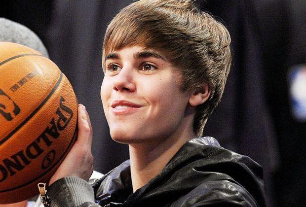 justin-bieber-11-02-20-basketball-getty-AFP