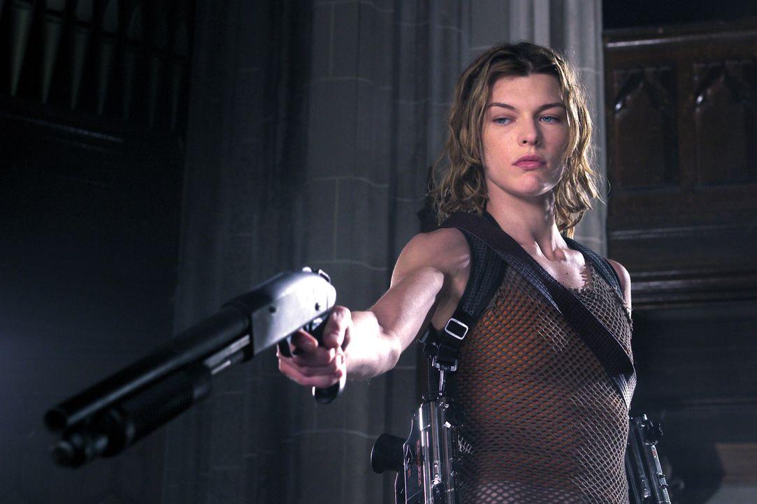 Das tödliche Virus hat sich über Raccoon City ausgebreitet. Alice (Milla Jovovich), von der mächtigen Umbrella Corporation für ein biogenetisches Ex... - Bildquelle: Constantin Film
