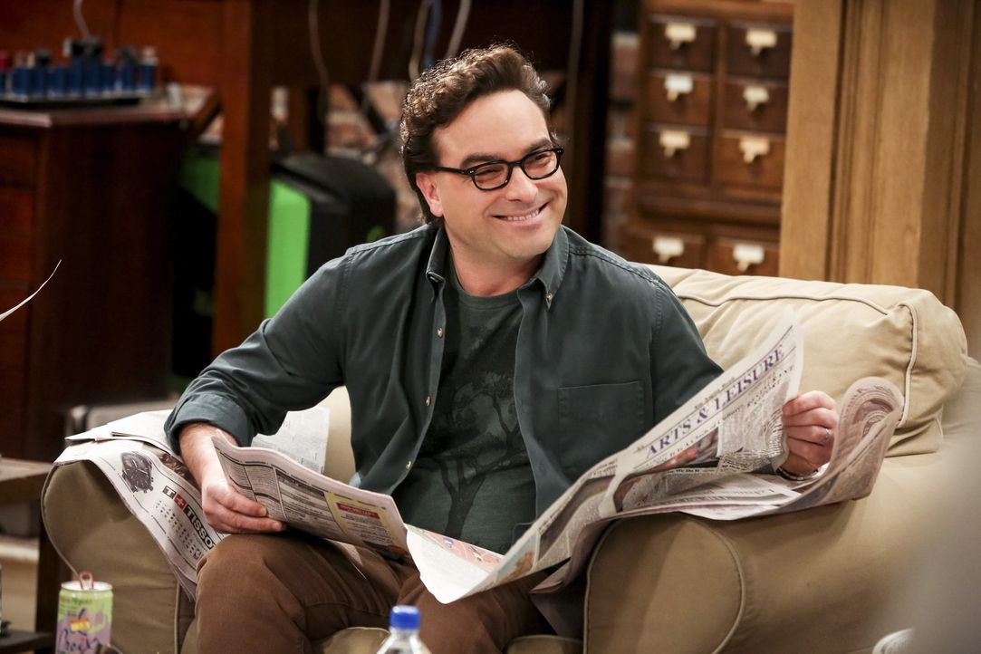 Leonard (Johnny Galecki) muss erkennen, dass Penny auch als wissenschaftliche Muse fungieren kann - jedoch für Sheldon und nicht für ihn ... - Bildquelle: Warner Bros. Television