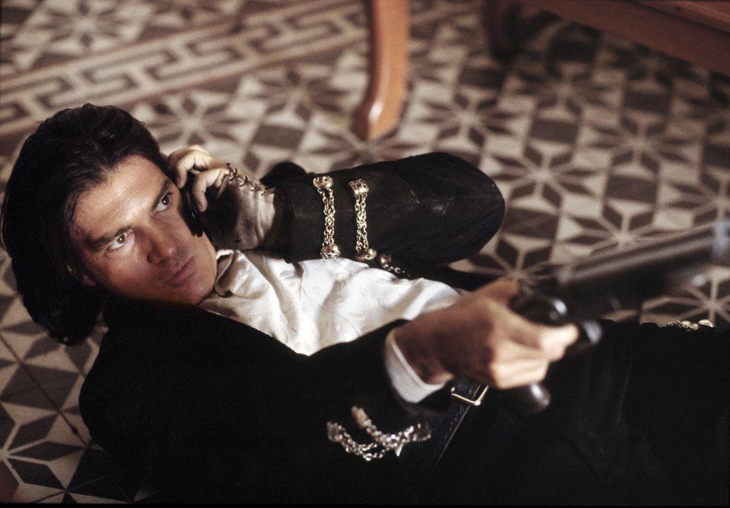 Nach einer erschütternden Tragödie in seinem Leben hat sich El Mariachi (Antonio Banderas) einem Leben in Einsamkeit und Isolation ergeben. Er wird... - Bildquelle: Columbia Pictures Corporation